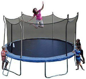 kids-playing-on-trampoline