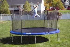 lady-on-trampoline
